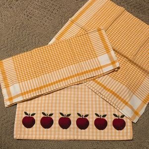 Vintage set of 3 yellow check tea towels